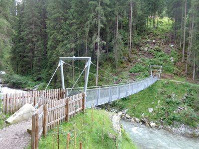 Hängebrücke am Tuxbach