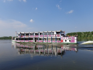 Donau Touristenschiff