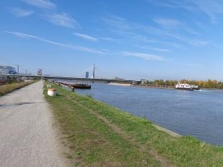 Donau bei Praterbrücke