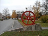 Rollendes Rad im Dorf