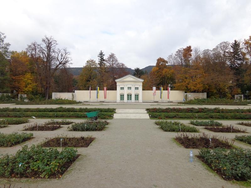 Rosarium im Doblhoffpark