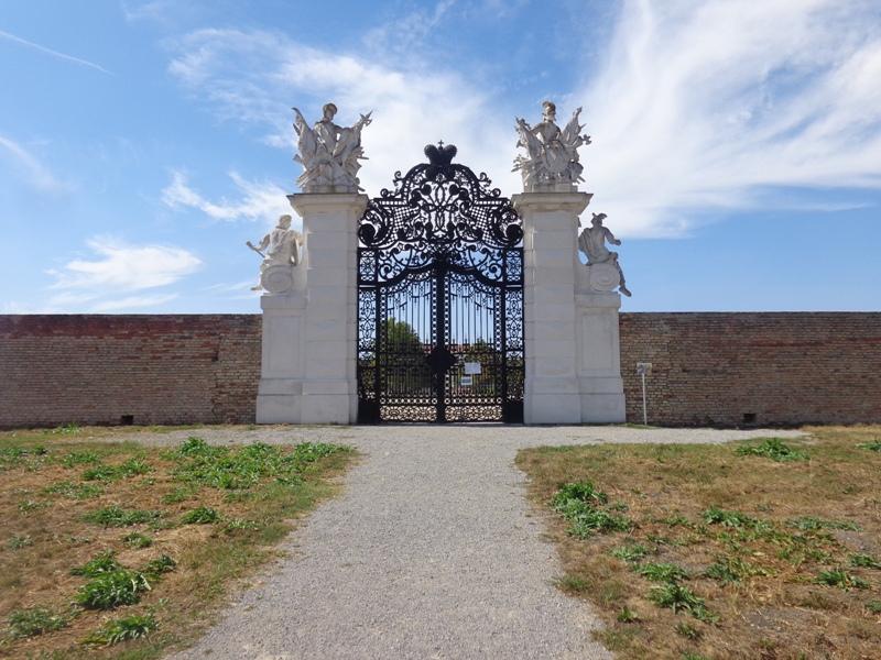 Tor Schloss Hof