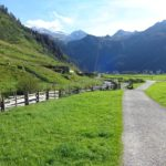 Wanderweg im Tuxer Tal