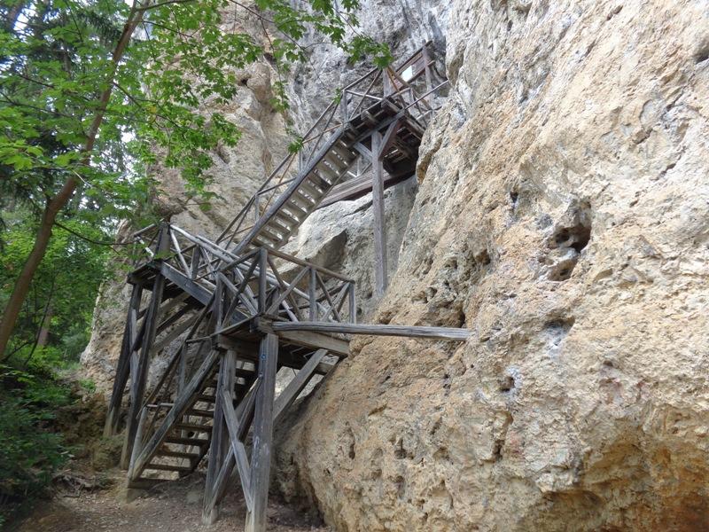 Zugang zur Falkensteinerhöhle