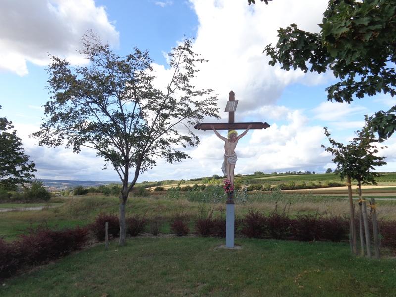 Kreuz an der Kirschallee