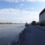 Donaupromenade vor dem Hilton