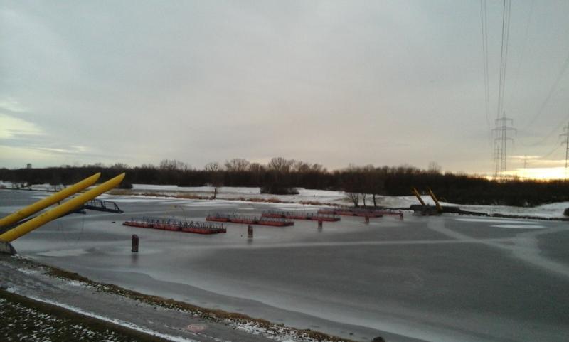 Eis an der Walulisobrücke