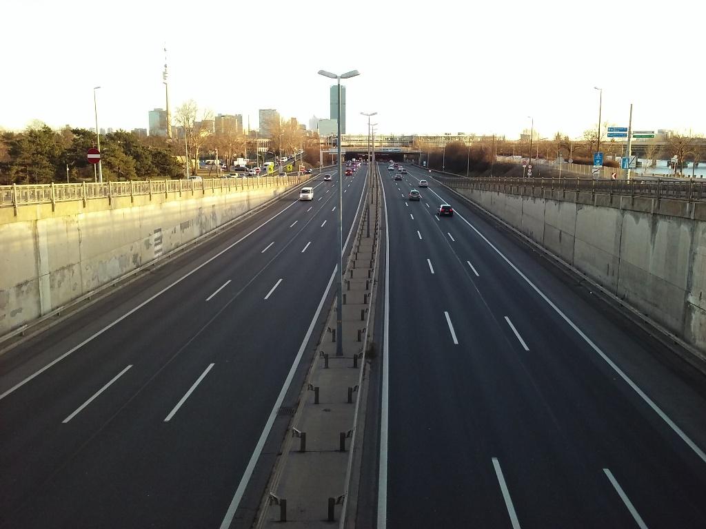 Donauufer Autobahn