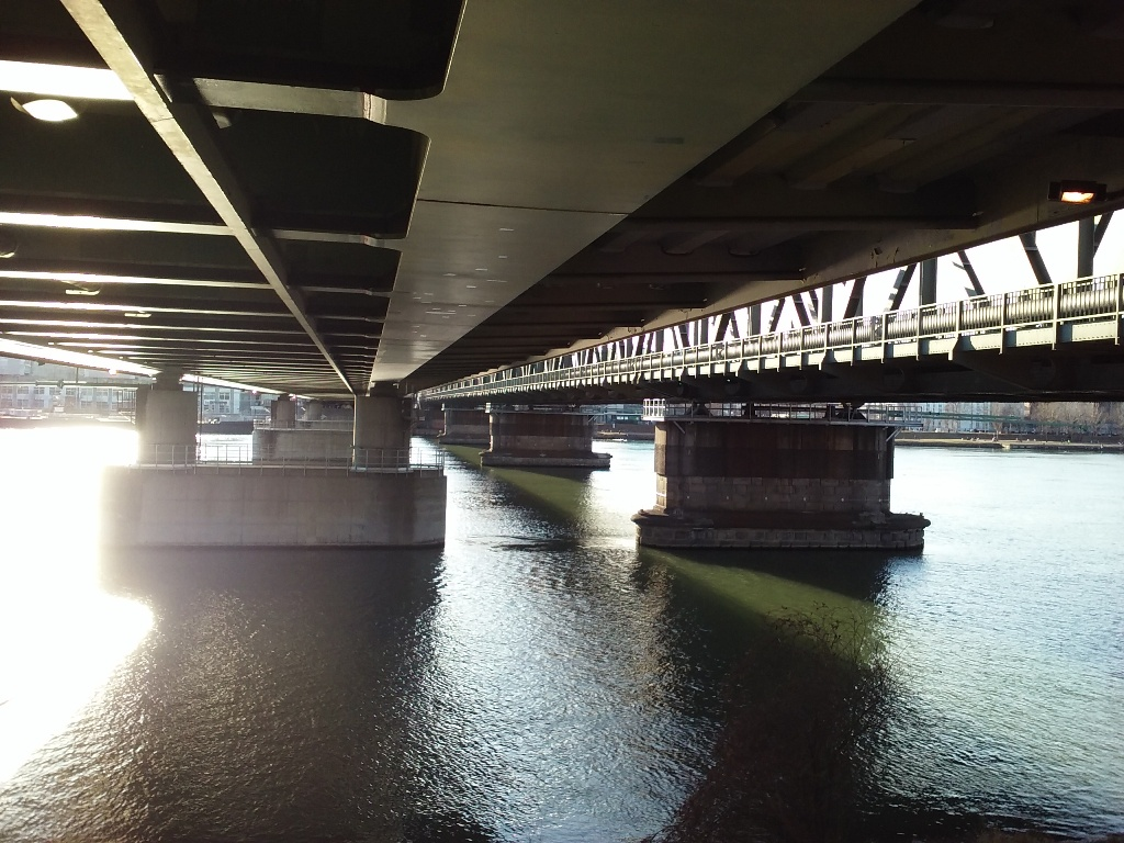 Unter Donaubrücken