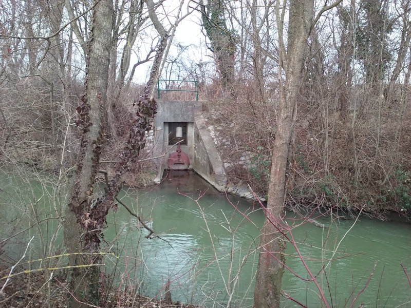 Schleusentor am Kanal