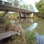 Fischerbank unter der Brücke