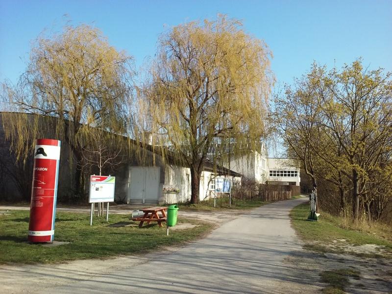 Infostation am Marchfeldkanal