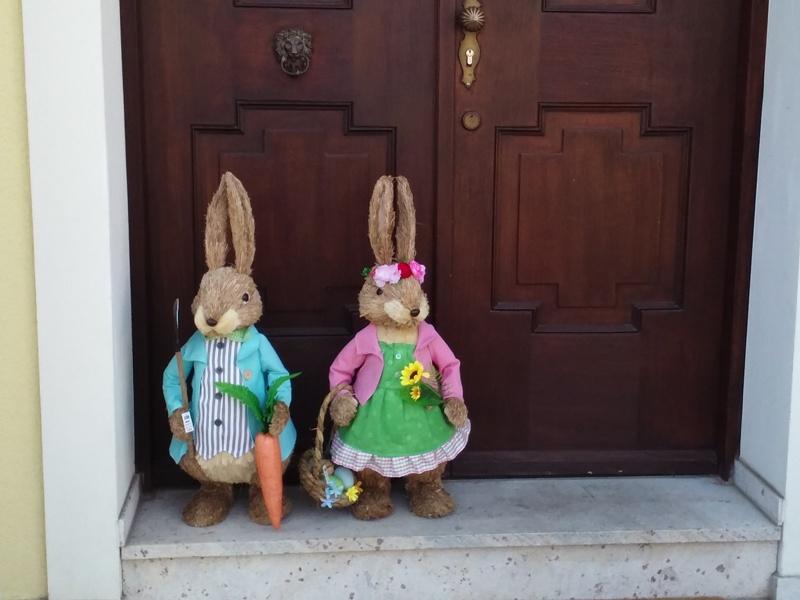 Osterhasen vor der Tür