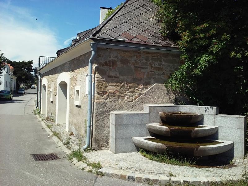 Brunnen in der Kellergasse