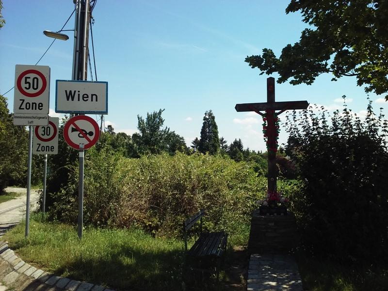 Kreuz am Stadtbeginn