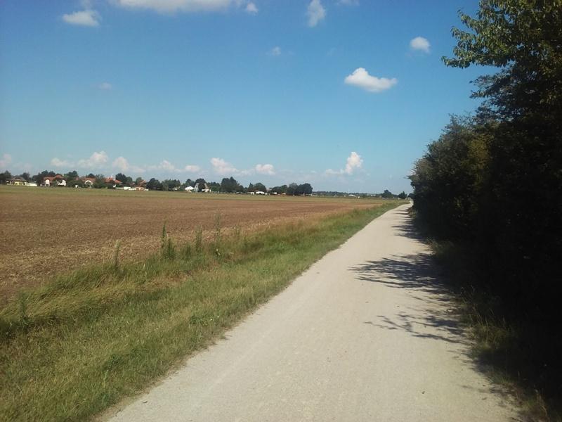 Radweg bei Helmahof