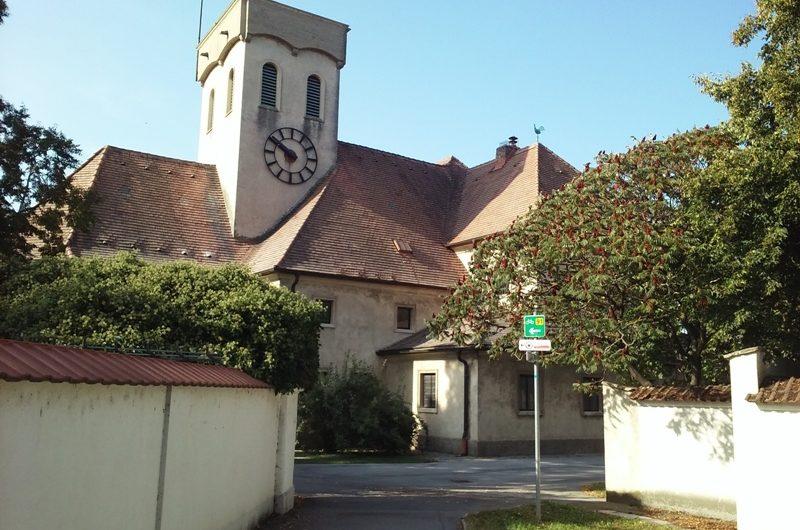 Radweg an der Kirche