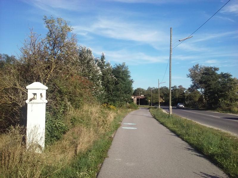 Radweg bei Neu-Essling