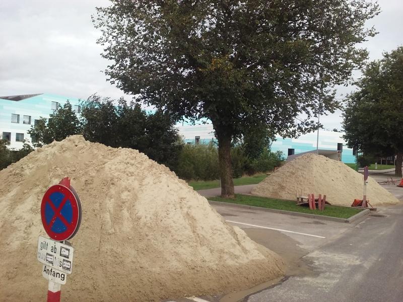 Sand für den Sportplatz