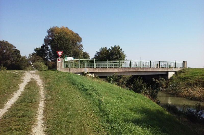 Brücke bei Markgrafneusiedl