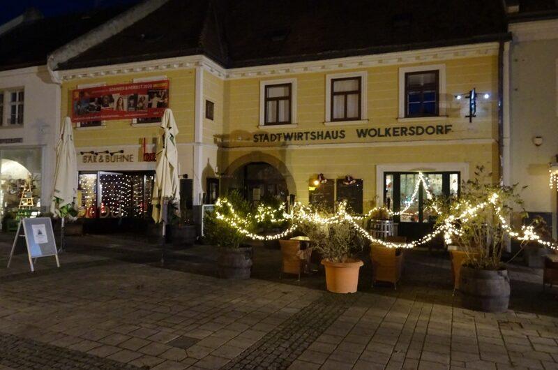 Weihnachtsdekoration am Stadtwirtshaus