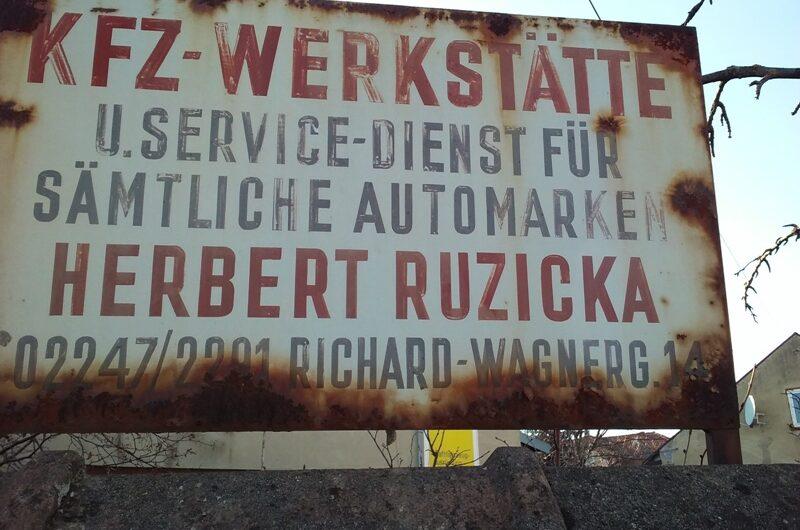 Altes Werkstättenschild