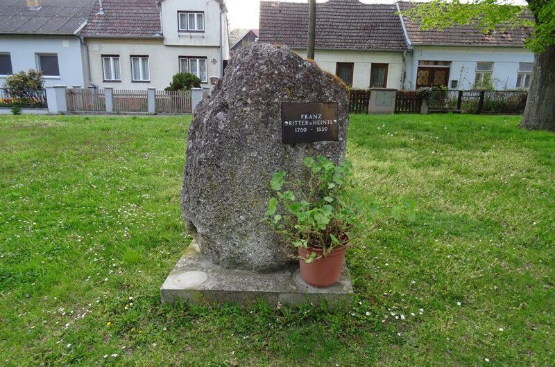 Ritter von Heintl Gedenkstein