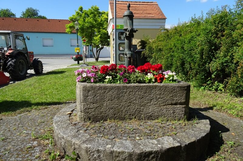 Brunnen in Pfösing