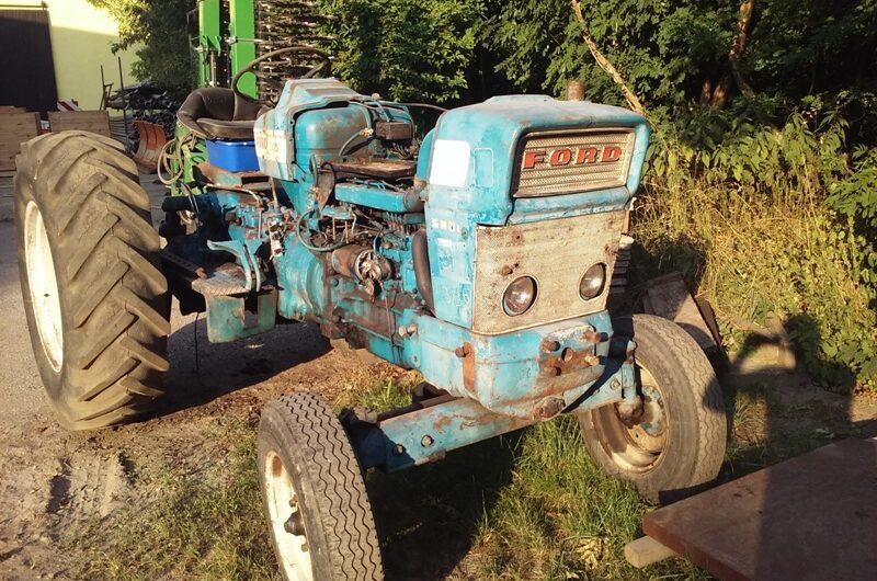 Alter Ford Traktor
